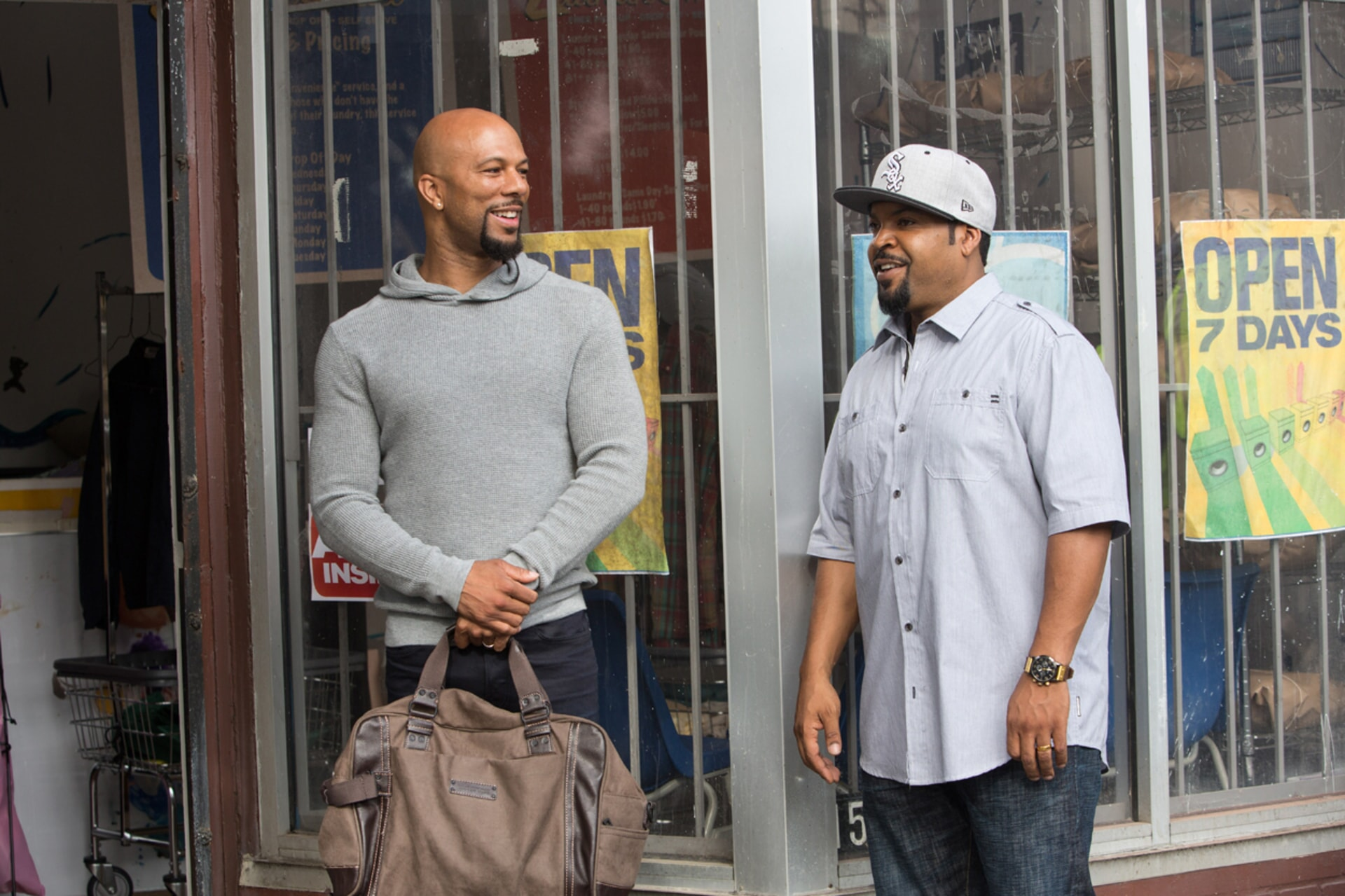 COMMON as Rashad and ICE CUBE as Calvin in Barbershop: The Next Cut