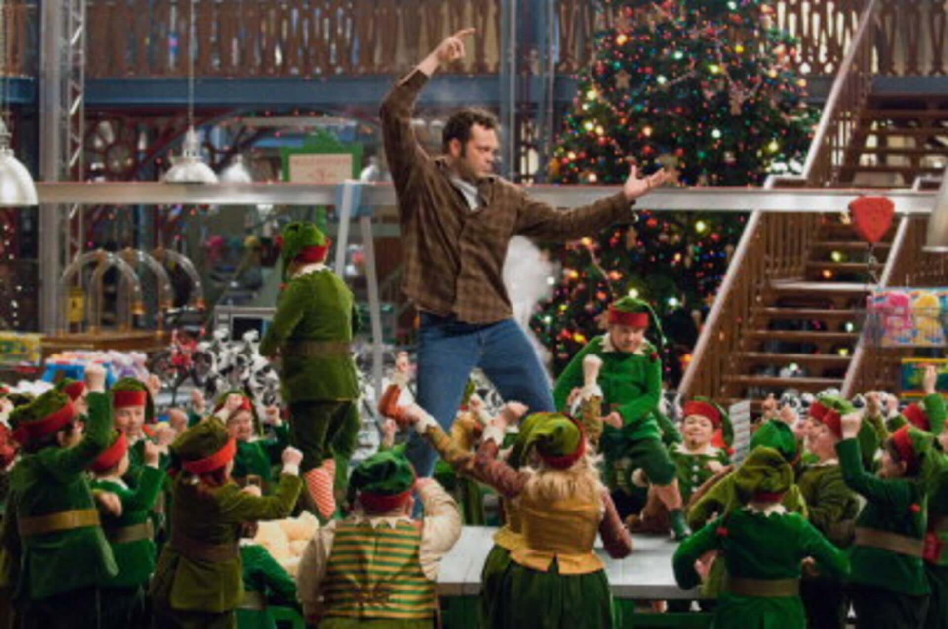 Fred Claus - Image 2