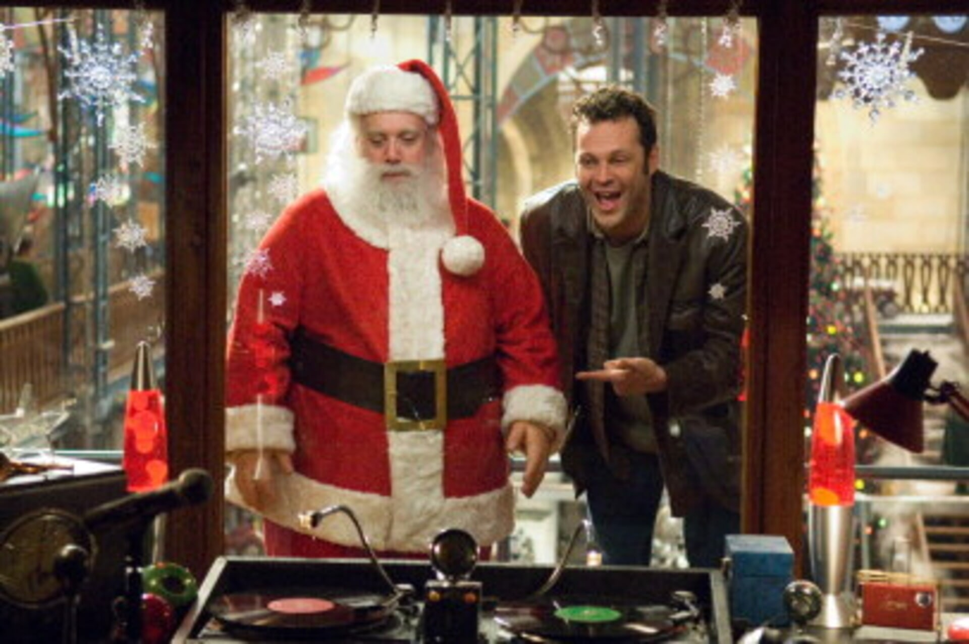 Fred Claus - Image 12