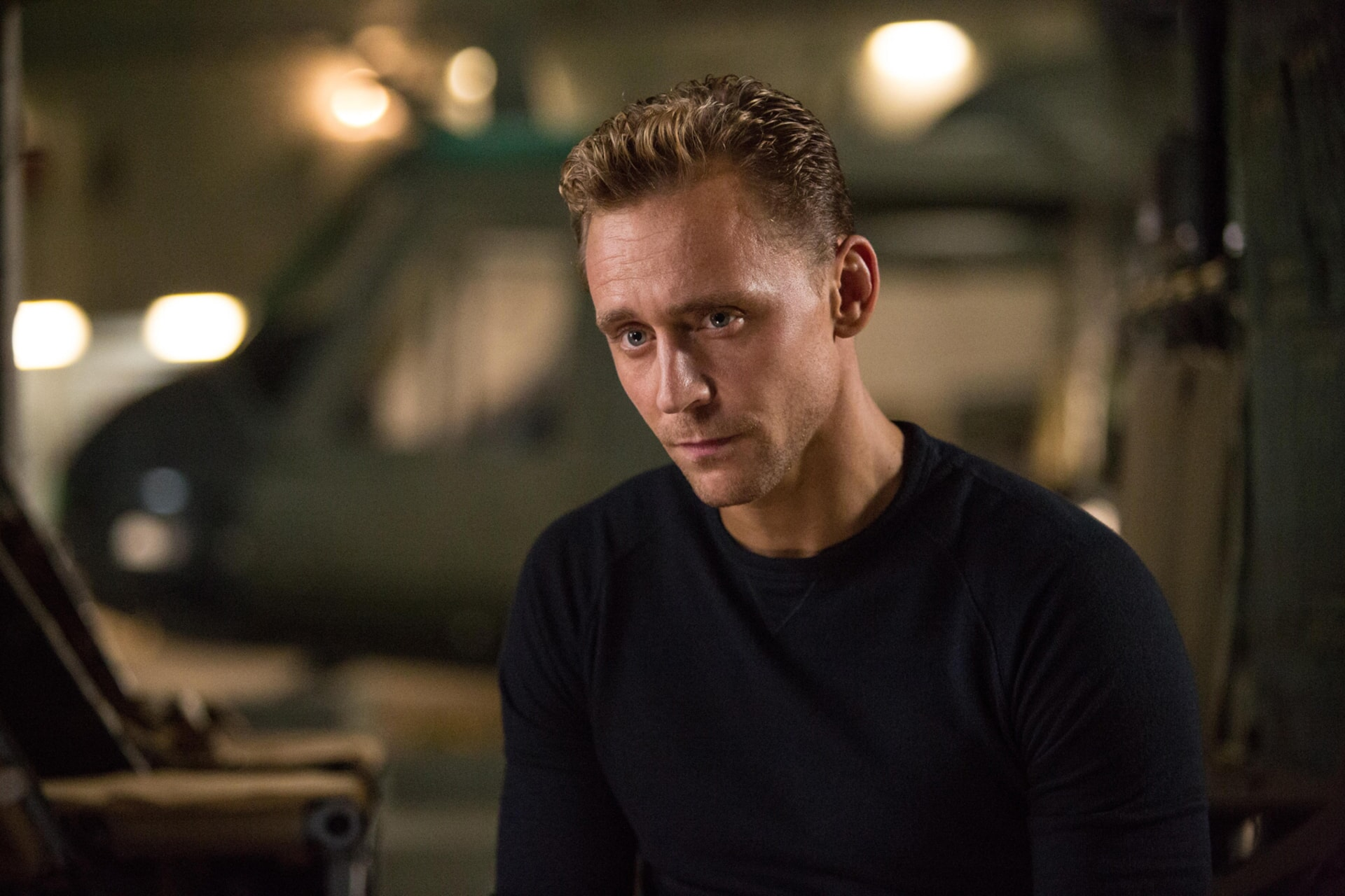 """TOM HIDDLESTON as James Conrad in Warner Bros. Pictures', Legendary Pictures' and Tencent Pictures' action adventure """"KONG: SKULL ISLAND,"""" a Warner Bros. Pictures release."""