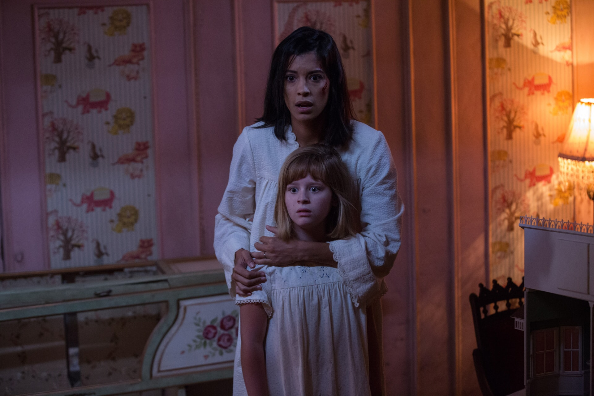 """LULU WILSON as Linda and STEPHANIE SIGMAN as Sister Charlotte in New Line Cinema's supernatural thriller """"ANNABELLE: CREATION,"""" a Warner Bros. Pictures release."""