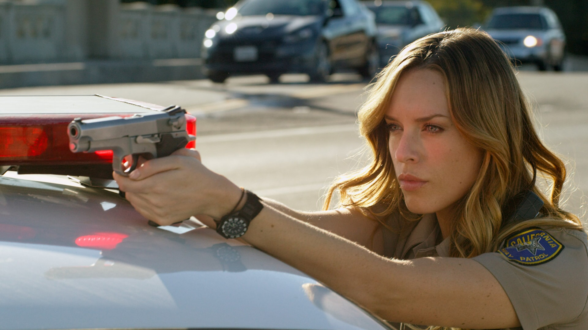 """JESSICA McNAMEE as Lindsey Taylor in Warner Bros. Pictures' action comedy """"CHIPS,"""" a Warner Bros. Pictures release."""