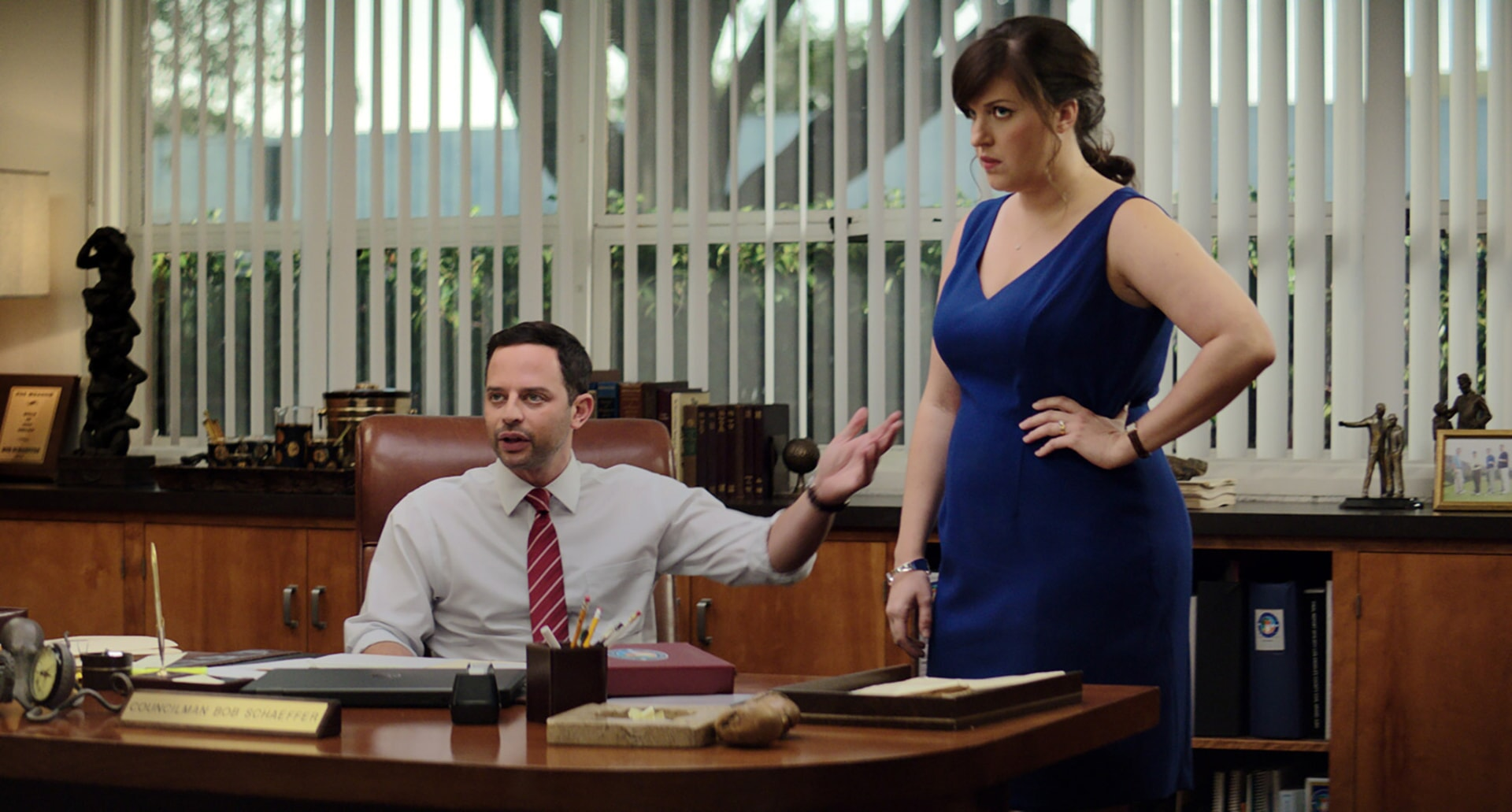"NICK KROLL as Bob and ALLISON TOLMAN as Dawn in the New Line Cinema and Village Roadshow Pictures comedy ""THE HOUSE,"" a Warner Bros. Pictures release."