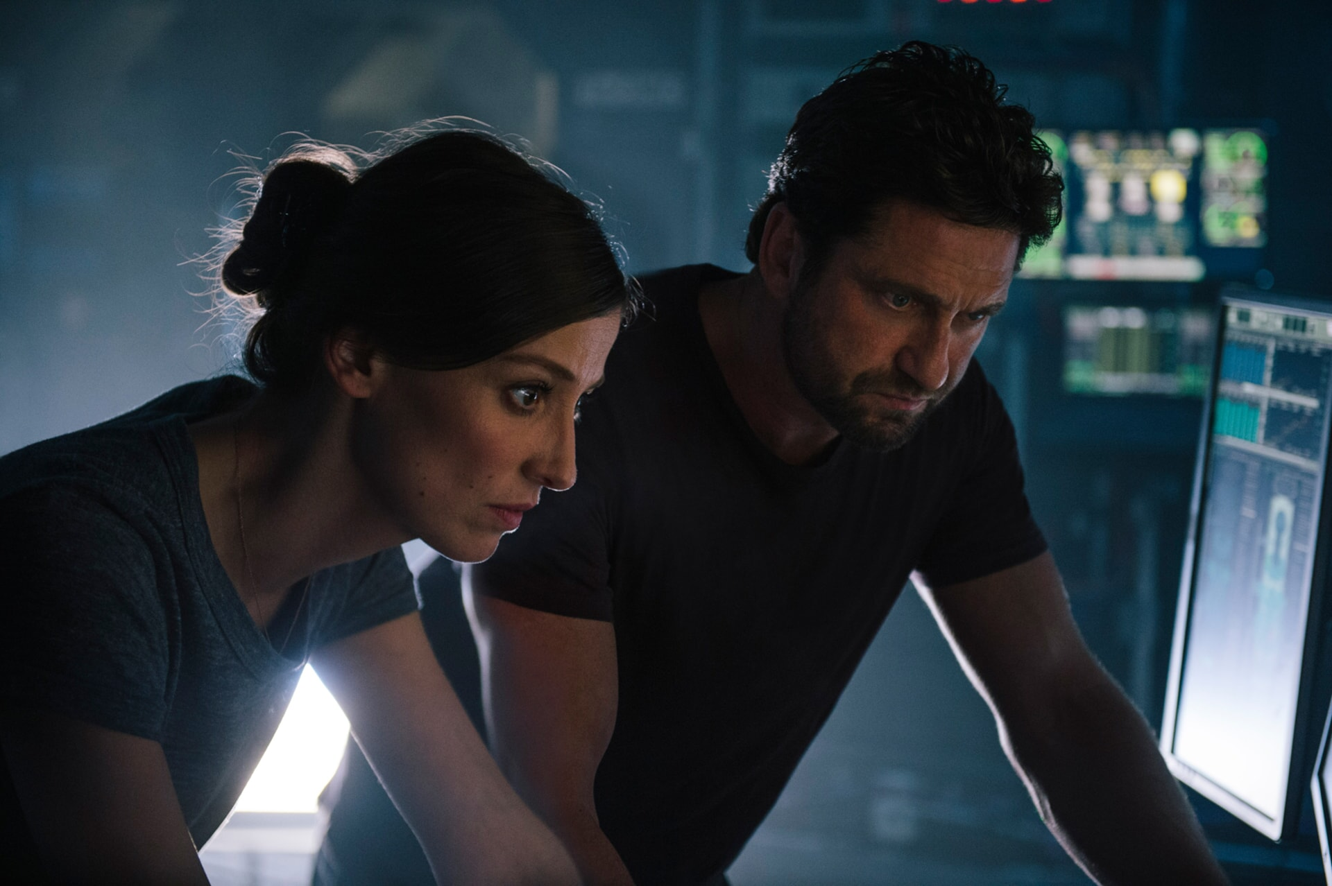 "ALEXANDRA MARIA LARA as Ute Fassbinder and GERARD BUTLER as Jake Lawson in Warner Bros. Pictures' and Skydance's suspense thriller ""GEOSTORM,"" a Warner Bros. Pictures release."