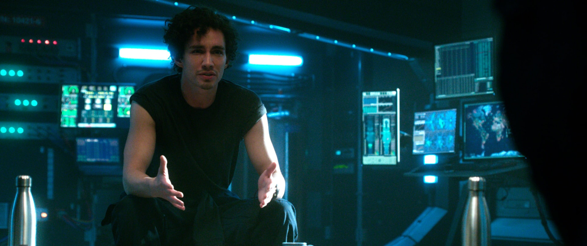 "ROBERT SHEEHAN as Duncan in Warner Bros. Pictures' and Skydance's suspense thriller ""GEOSTORM,"" a Warner Bros. Pictures release."