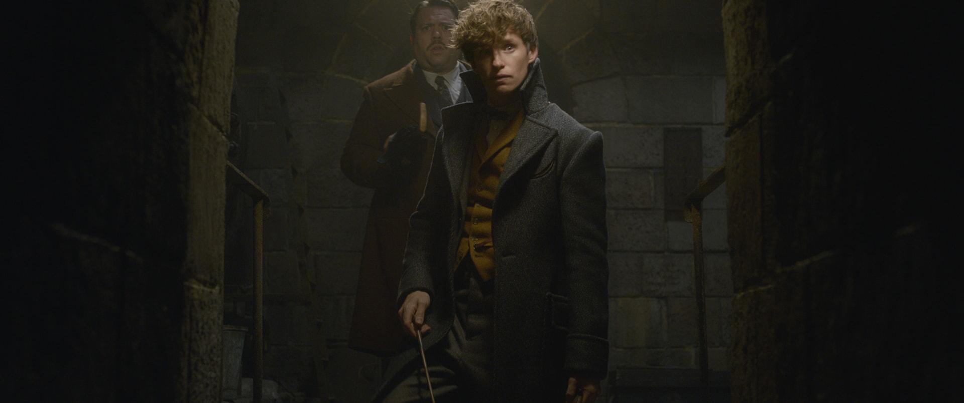 "(L-r) DAN FOGLER as Jacob Kowalski andEDDIE REDMAYNE as Newt Scamander in Warner Bros. Pictures' fantasy adventure ""FANTASTIC BEASTS: THE CRIMES OF GRINDELWALD,"" a Warner Bros. Pictures release."