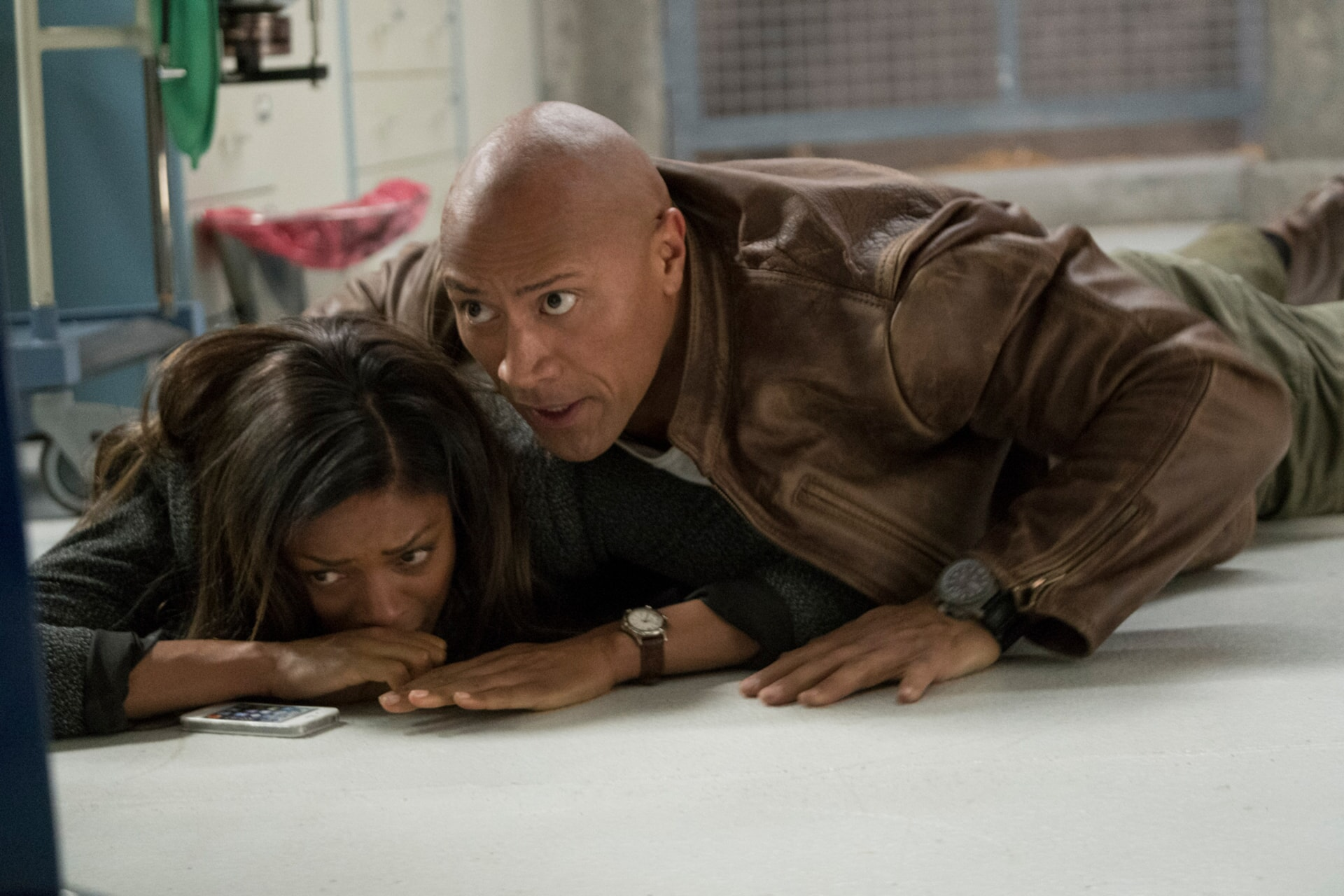 """NAOMIE HARRIS as Dr. Kate Caldwell and DWAYNE JOHNSON as Davis Okoye in New Line Cinema's and ASAP Entertainment's action adventure """"RAMPAGE,"""" a Warner Bros. Pictures release."""
