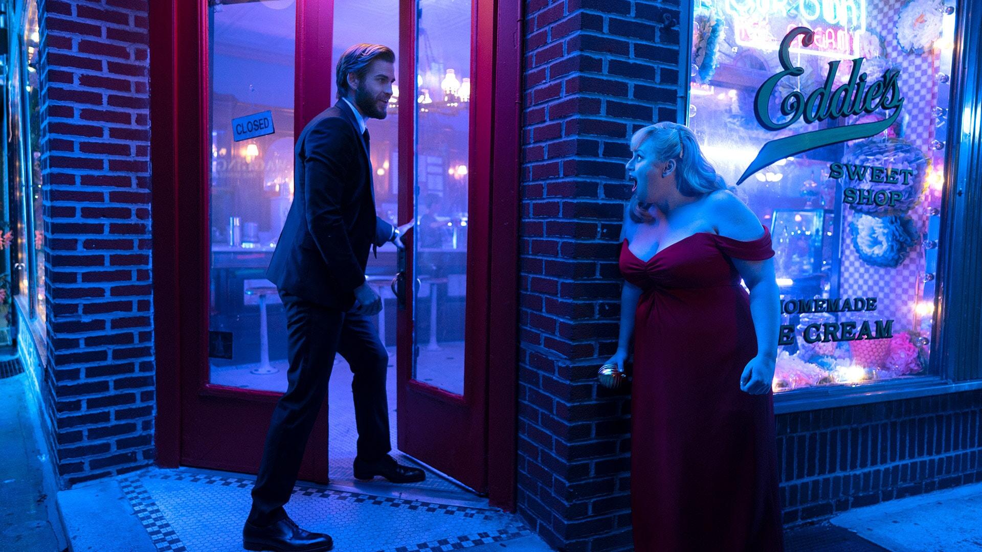 (L-R) LIAM HEMSWORTH as Blake and REBEL WILSON as Natalie