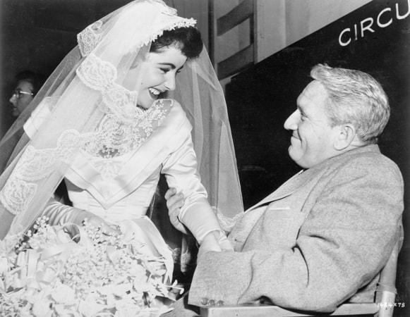 elizabeth taylor and spencer tracy in father of the bride