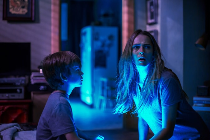 "GABRIEL BATEMAN as Martin and TERESA PALMER as Rebecca in New Line Cinema's horror film ""LIGHTS OUT,"" a Warner Bros. Pictures release."