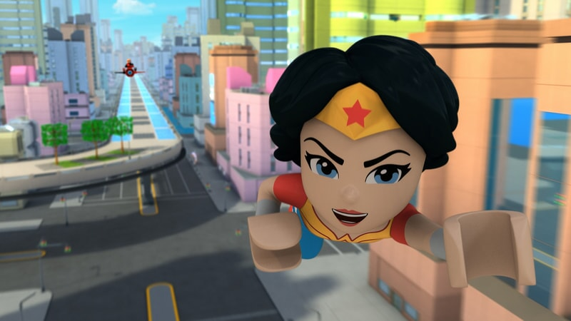wonder woman flies in Lego DC Super Hero Girls: Brain Drain