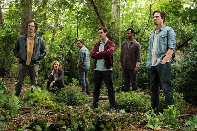 (L-r) BILL HADER as Richie Tozier, JESSICA CHASTAIN as Beverly Marsh, JAMES MCAVOY as Bill Denbrough, JAMES RANSONE as Eddie Kaspbrak, ISAIAH MUSTAFA as Mike Hanlon, and JAY RYAN as Ben Hascomb