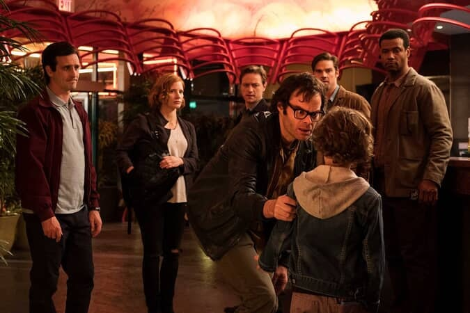 (L-r) JAMES RANSONE as Eddie Kaspbrak, JESSICA CHASTAIN as Beverly Marsh, JAMES McAVOY as Bill Denbrough, BILL HADER as Richie Tozier, JAY RYAN as Ben Hascomb and ISAIAH MUSTAFA as Mike Hanlon