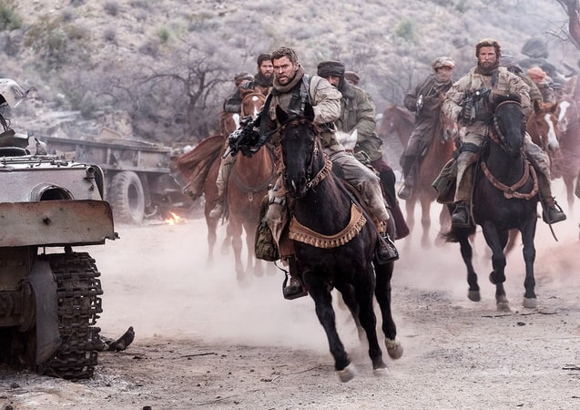 """CHRIS HEMSWORTH as Captain Nelson in Jerry Bruckheimer Films', Black Label Media' and Alcon Entertainment's war drama """"12 STRONG,"""" a Warner Bros. Pictures release."""