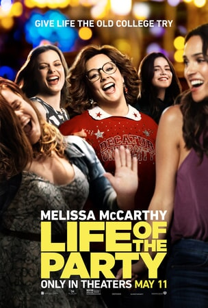 Melissa McCarthy as Dee partying in the middle of a group in college students