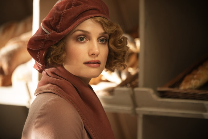 "ALISON SUDOL as Queenie in Warner Bros. Pictures' fantasy adventure ""FANTASTIC BEASTS AND WHERE TO FIND THEM,"" a Warner Bros. Pictures release."