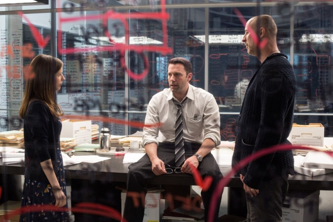 "ANNA KENDRICK, BEN AFFLECK and director GAVIN O'CONNOR on the set of Warner Bros. Pictures' ""THE ACCOUNTANT,"" a Warner Bros. Pictures release."
