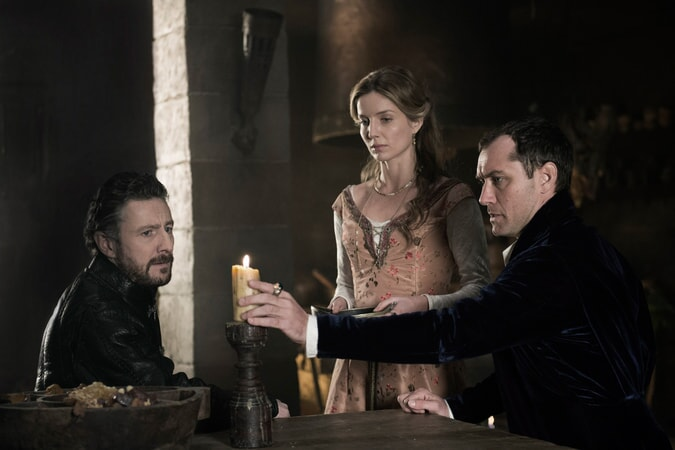 """PETER FERDINANDO as Earl of Mercia, ANNABELLE WALLIS as Maggie and JUDE LAW as Vortigern in Warner Bros. Pictures' and Village Roadshow Pictures' fantasy action adventure """"KING ARTHUR: LEGEND OF THE SWORD,"""" distributed worldwide by Warner Bros. Pictures and in select territories by Village Roadshow Pictures."""