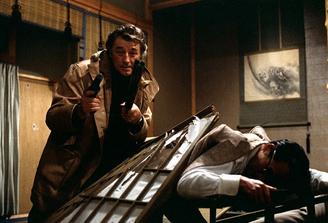 robert mitchum stars in the yakuza