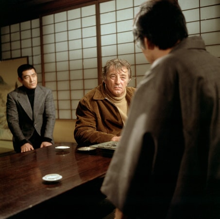 Takakura Ken and robert mitchum star in the yakuza.