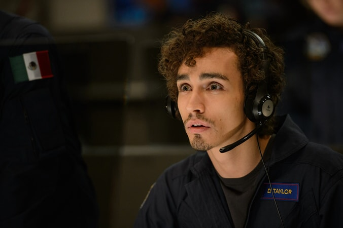 "ROBERT SHEEHAN as Duncan Taylor in Warner Bros. Pictures' and Skydance's suspense thriller ""GEOSTORM,"" a Warner Bros. Pictures release."