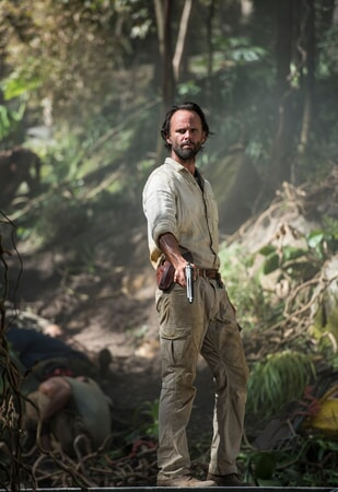 """WALTON GOGGINS as Mathias Vogel in Warner Bros. Pictures' and Metro-Goldwyn-Mayer Pictures' action adventure """"TOMB RAIDER,"""" a Warner Bros. Pictures release."""