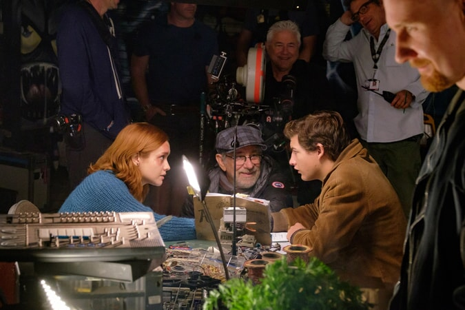 "(Center L-R) OLIVIA COOKE, director/producer STEVEN SPIELBERG and TYE SHERIDAN on the set of Warner Bros. Pictures', Amblin Entertainment's and Village Roadshow Pictures' action adventure ""READY PLAYER ONE,"" a Warner Bros. Pictures release."