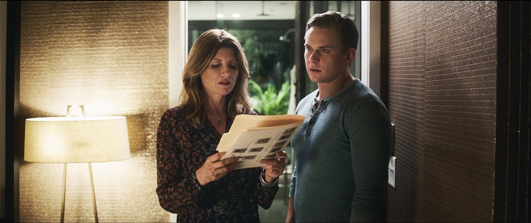"SHARON HORGAN as Sarah and BILLY MAGNUSSEN as Ryan in New Line Cinema's action comedy ""GAME NIGHT,"" a Warner Bros. Pictures release."