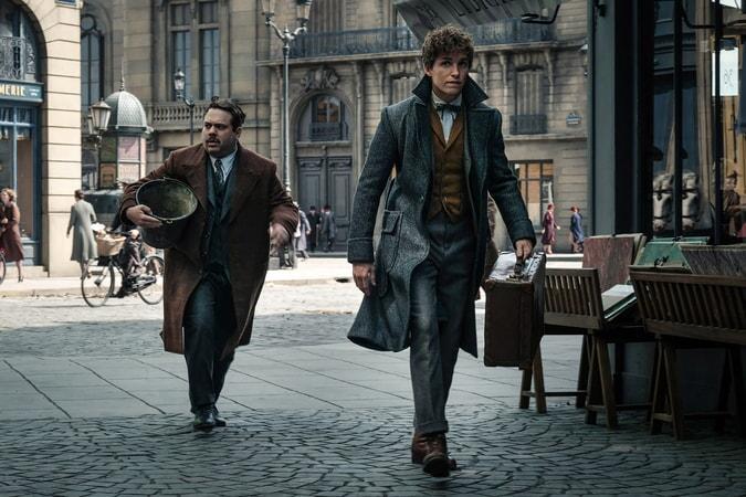"DAN FOGLER as Jacob and EDDIE REDMAYNE as Newt in Warner Bros. Pictures' fantasy adventure ""FANTASTIC BEASTS: THE CRIMES OF GRINDELWALD,"" a Warner Bros. Pictures release. Photo by Jaap Buitendijk"