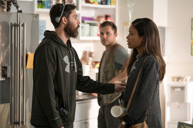 "(L-R) Director/producer BRAD PEYTON and NAOMIE HARRIS on the set of New Line Cinema's and ASAP Entertainment's action adventure ""RAMPAGE,"" a Warner Bros. Pictures release."