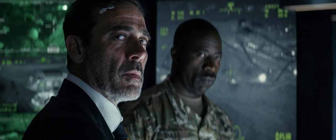 "(L-R) JEFFREY DEAN MORGAN as Harvey Russell and DEMETRIUS GROSSE as Colonel Blake in New Line Cinema's and ASAP Entertainment's action adventure ""RAMPAGE,"" a Warner Bros. Pictures release."