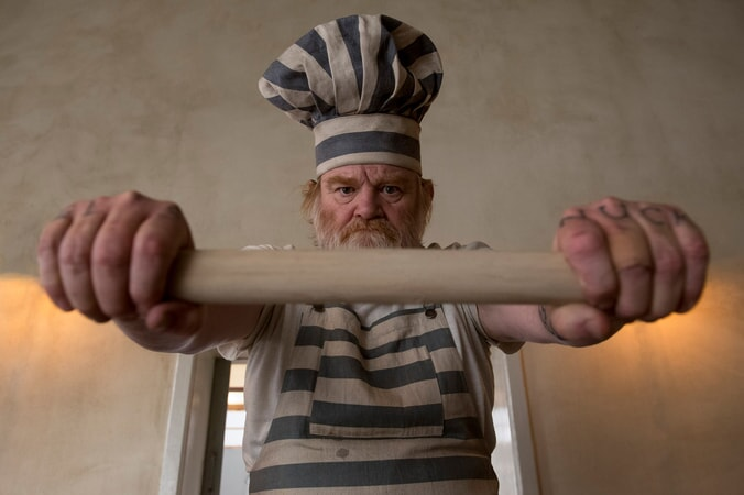 "BRENDAN GLEESON as Knuckles McGinty in the family adventure ""PADDINGTON 2,"" from Warner Bros. Pictures and STUDIOCANAL, in association with Anton Capital Entertainment S.C.A., a Warner Bros. Pictures release."