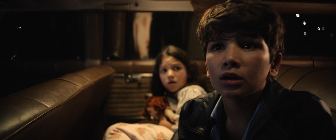 (L-R) JAYNEE LYNNE KINCHEN as Samantha and ROMAN CHRISTOU as Chris