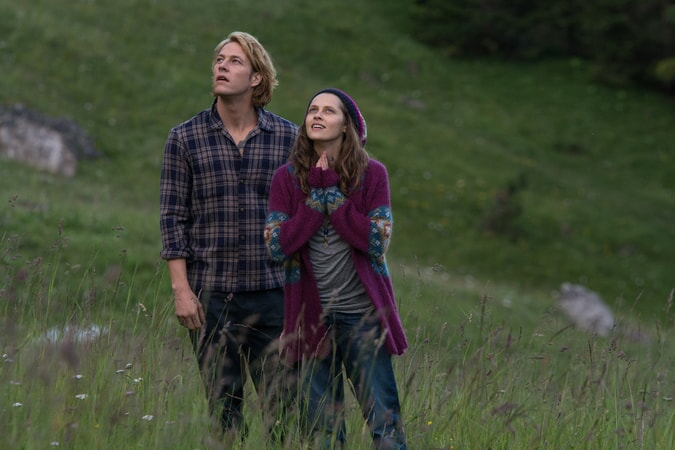 "LUKE BRACEY as Utah and TERESA PALMER as Samsara in Alcon Entertainment's action thriller ""POINT BREAK,"" a Warner Bros. Pictures release."