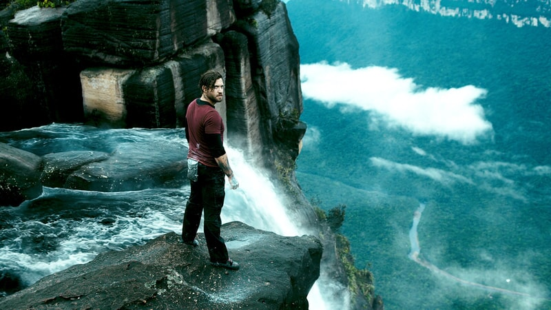 "EDGAR RAMIREZ as Bodhi in Alcon Entertainment's action thriller ""POINT BREAK,"" a Warner Bros. Pictures release."