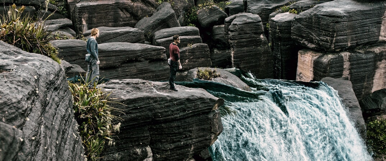 "LUKE BRACEY as Utah and EDGAR RAMIREZ as Bodhi in Alcon Entertainment's action thriller ""POINT BREAK,"" a Warner Bros. Pictures release."