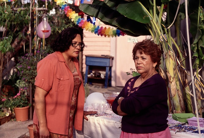 Ingrid Oliu as Estela and Lupe Ontiveros as Carmen in real women have curves