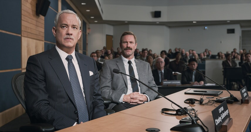 "TOM HANKS as Chesley ""Sully"" Sullenberger and AARON ECKHART as Jeff Skiles in Warner Bros. Pictures' and Village Roadshow Pictures' drama ""SULLY,"" a Warner Bros. Pictures release."