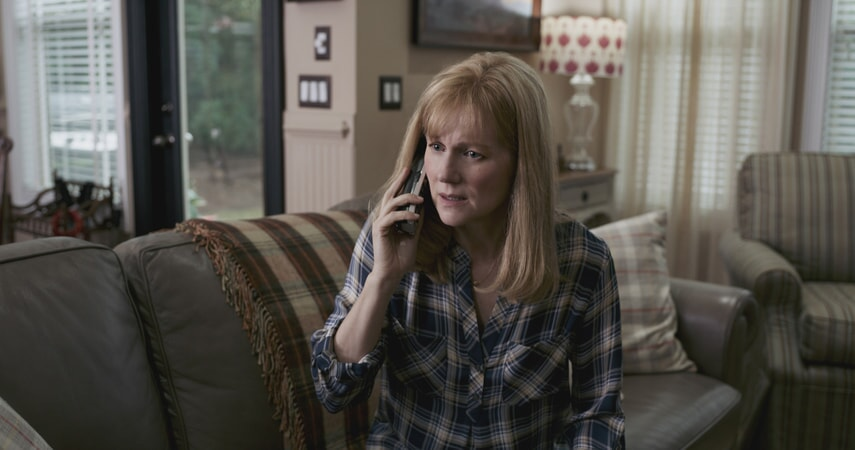 "LAURA LINNEY as Lorrie Sullenberger in Warner Bros. Pictures' and Village Roadshow Pictures' drama ""SULLY,"" a Warner Bros. Pictures release."