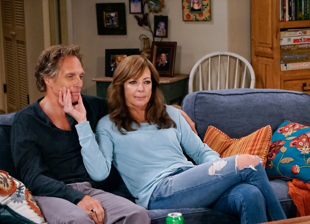 "William Fichtner as Adam and Allison Janney as Bonnie. Mom 4, ep. 2 ""Sword Fights and a Dominican Shortstop"""