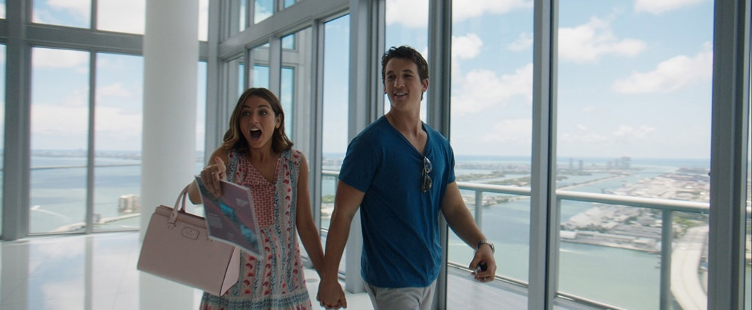 "ANA DE ARMAS as Iz and MILES TELLER as David in Warner Bros. Pictures' comedic drama (based on true events) ""WAR DOGS,"" a Warner Bros. Pictures release."