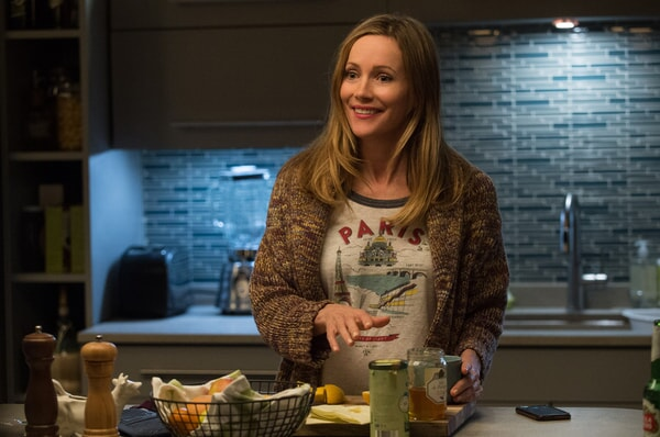 """LESLIE MANN as Meg in New Line Cinema's, Metro-Goldwyn-Mayer Pictures' and Flower Films' comedy """"HOW TO BE SINGLE,"""" a Warner Bros. Pictures release."""