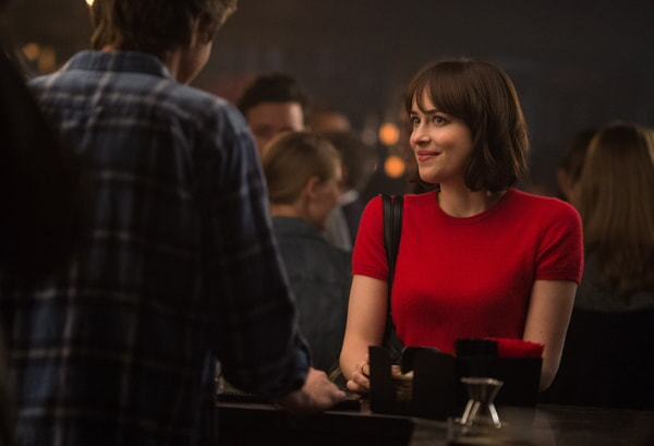 """DAKOTA JOHNSON as Alice in New Line Cinema's, Metro-Goldwyn-Mayer Pictures' and Flower Films' comedy """"HOW TO BE SINGLE,"""" a Warner Bros. Pictures release."""