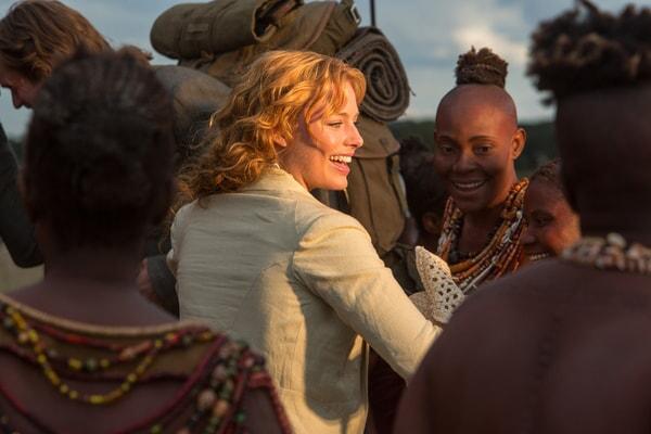 (Center) MARGOT ROBBIE as Jane