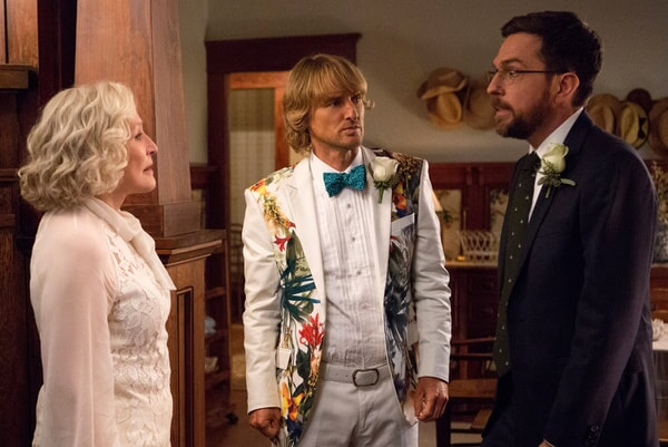 """GLENN CLOSE as Helen, OWEN WILSON as Kyle Reynolds and ED HELMS as Peter Reynolds in Alcon Entertainment's comedy """"FATHER FIGURES,"""" a Warner Bros. Pictures release."""