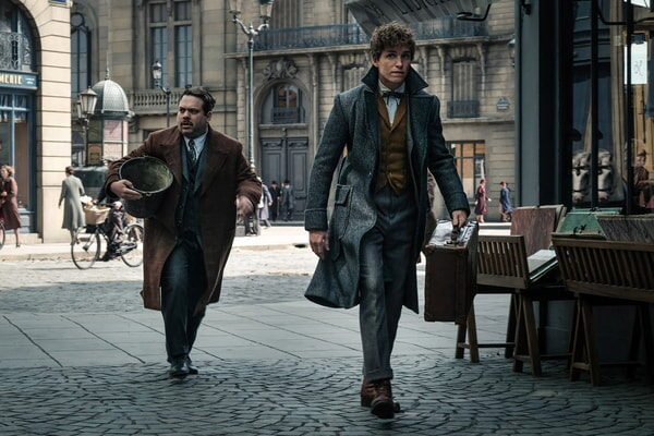 "DAN FOGLER as Jacob and EDDIE REDMAYNE as Newt in Warner Bros. Pictures' fantasy adventure ""FANTASTIC BEASTS: THE CRIMES OF GRINDELWALD,"" a Warner Bros. Pictures release. Photo by Jaap Buitendijk"
