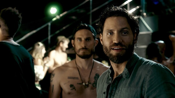 """CLEMENS SCHICK as Roach and EDGAR RAMIREZ as Bodhi in Alcon Entertainment's action thriller """"POINT BREAK,"""" a Warner Bros. Pictures release."""