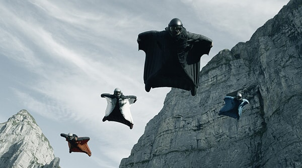 """A scene from Alcon Entertainment's action thriller """"POINT BREAK,"""" a Warner Bros. Pictures release."""