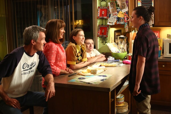 "Patricia Heaton, Neil Flynn, Eden Sher, Charlie McDermott, and Atticus Shaffer in The Middle, expisode ""Vive Le Hecks"""