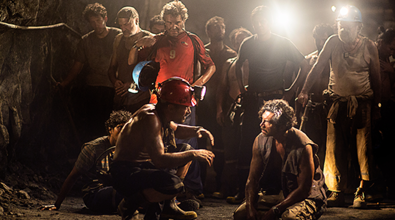 "(Front center) ANTONIO BANDERAS as Mario Sepúlveda and LOU DIAMOND PHILLIPS as Luis Urzua in Alcon Entertainment's true-life drama ""THE 33,"" a Warner Bros. Pictures Release."